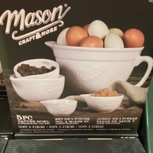 Mason measuring/batter bowl with cup measuring
